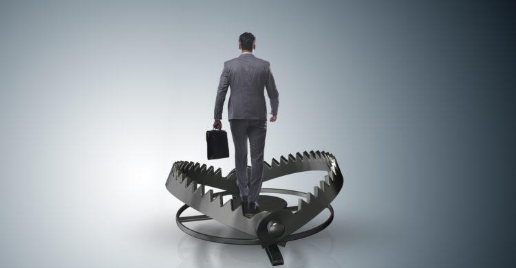 HOE VANG IK EEN RAT … : gekonkel en samenzwering op de werkvloer
